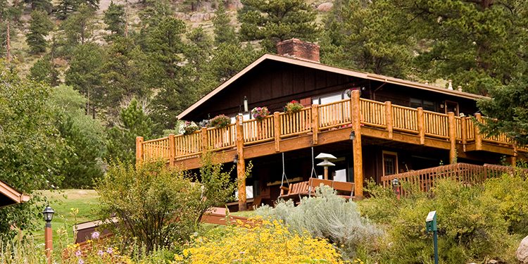 McGregor Mountain Lodge Cabins